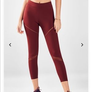 Fabletics High-Waisted Statement UltraCool 7/8